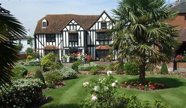 Donnington Manor Hotel